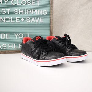 Nike   SB Womens Sneaker Size 7